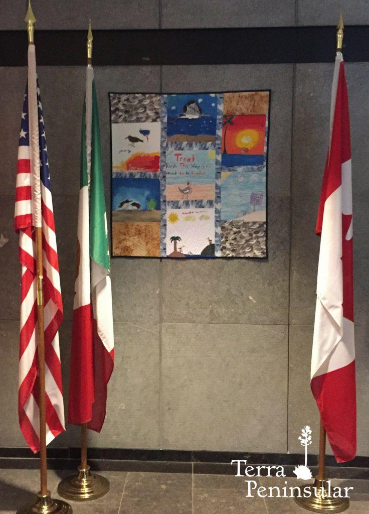 Segunda colcha en exhibición en las oficinas de la Comisión para la Cooperación Ambiental (CCA) en Montreal, Canadá.