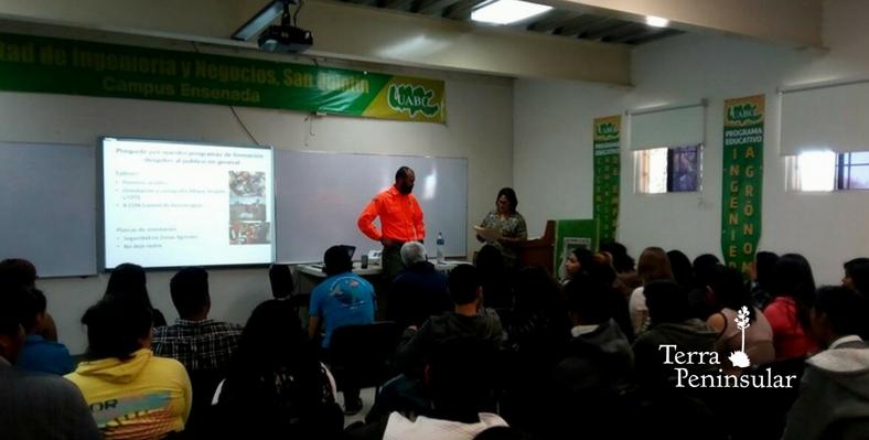 Plática de orientación: seguridad en zonas agrestes para alumnos de UABC San Quintín